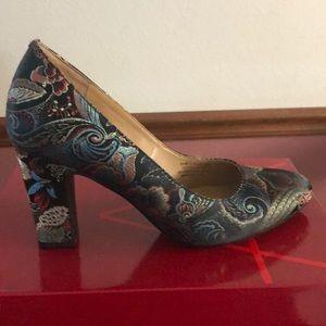 Aerosoles Black Floral Shoes Size 9 1/2